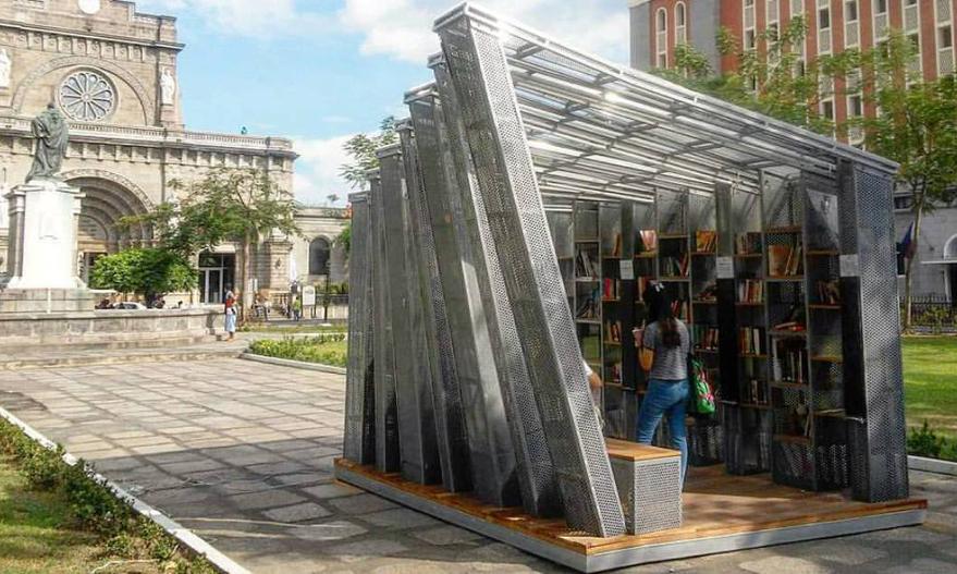 «Книжная остановка» - мини-библиотека, что путешествует по Филиппинам